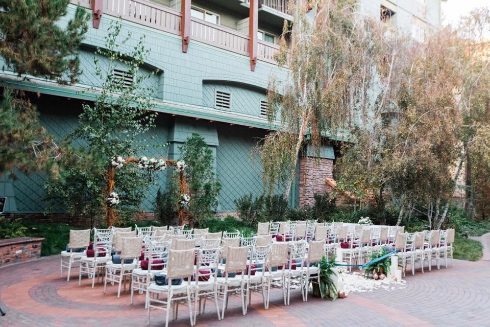 Brisa Courtyard Wedding Ceremony // White Rabbit Photo Boutique
